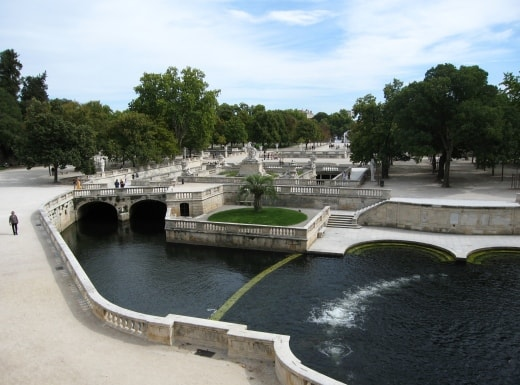 fontaine lake - Walking the Garrigue & Nîmes