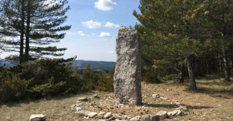 Walk the St-Guilhem Way - Menhir du Bac