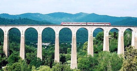Self-Guided Walking Tours In France:france On Foot & By Rail - Chamborigaud Viaduct