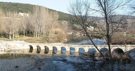 Self-Guided Walking Tours In France:walks In Provence - Montclus Bridge