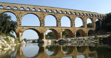 Self-Guided Walking Tours In France:pont Du Gard Walking - The Pont Du Gard Viaduct - Fabulous View