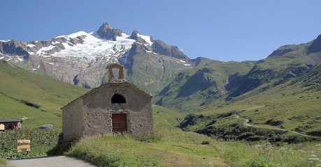 Walking in France at Ville des Glaciers