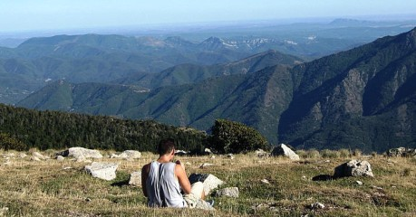 Walking In France - The Rolling Bliue Hills Of Cévennes