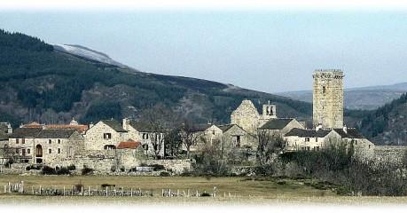 Walking In France - Garde Guerin Village