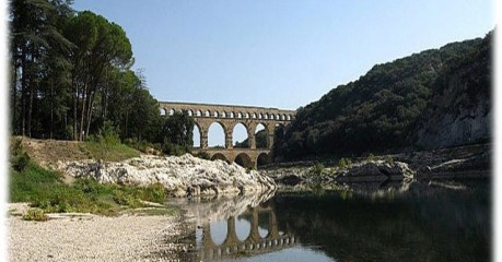Walking in France - Le Pont du Gard